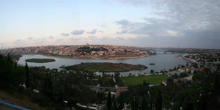 Panorama of Istanbul from Hill of Pierre Lotti 1 (Istanbul)