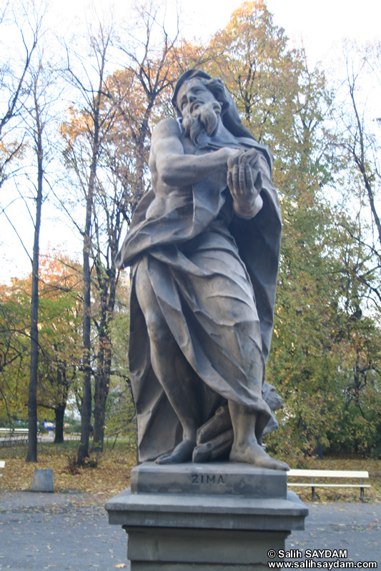 Sandstone Statues Photo Gallery 1 (The Saxon Garden, Warsaw, Poland)