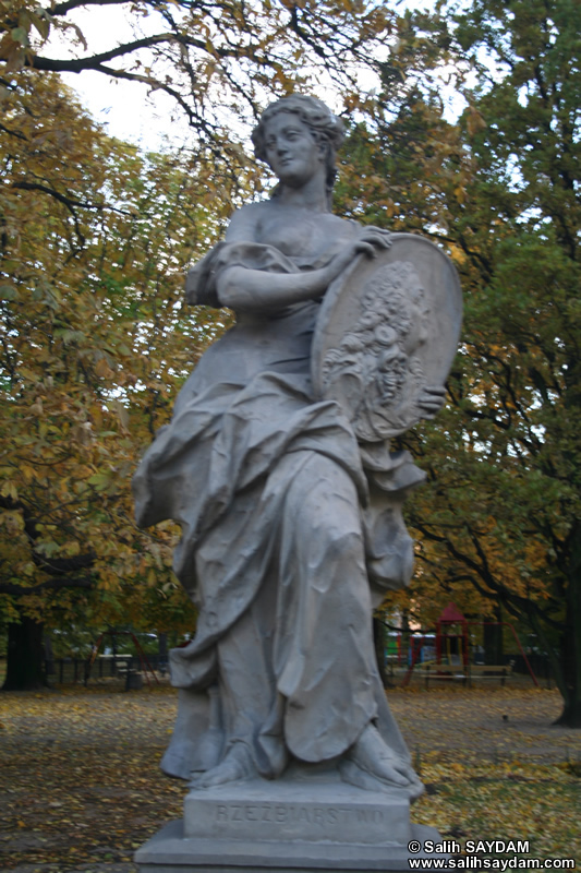Sandstone Statues Photo Gallery 2 (The Saxon Garden, Warsaw, Poland)
